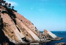 Montée de la grande roche de l'île de Tomogashima